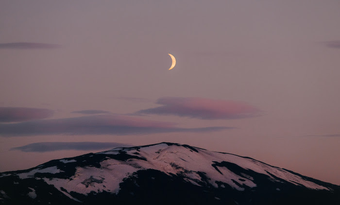 A PLEASURE PACKED RITUAL TO RING IN THE TAURUS NEW MOON